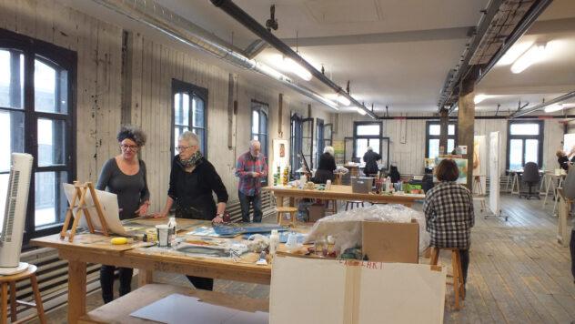 groupe de travail en atelier