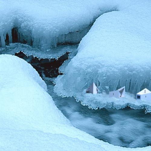 photo-montage - paysage imaginaire de glace - studios de Fogo Island dans les glaces du Québec - gilbert bellefeuille