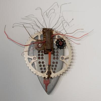 art-sculpture-masque-objets recyclés-Hélène Patenaude
