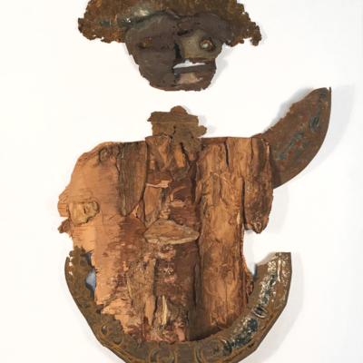 art-sculpture-masque-objets recyclés-personnage de fer et de bois envoyant la main--Hélène Patenaude