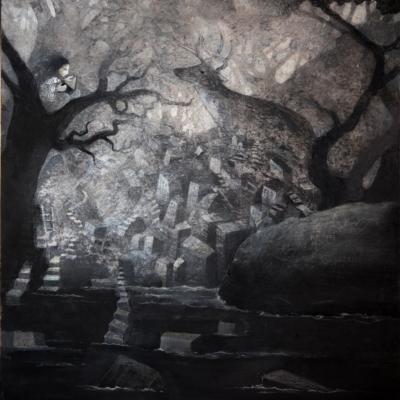 conteuse dans un arbre et chevreuil émergeant du chaos n noir et blanc, Hélène Paré