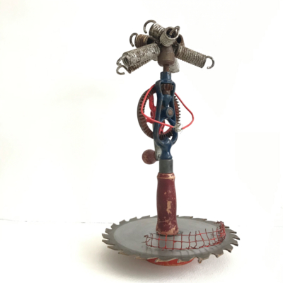 art-sculpture-personnage-femme-objets recyclés-Hélène Patenaude