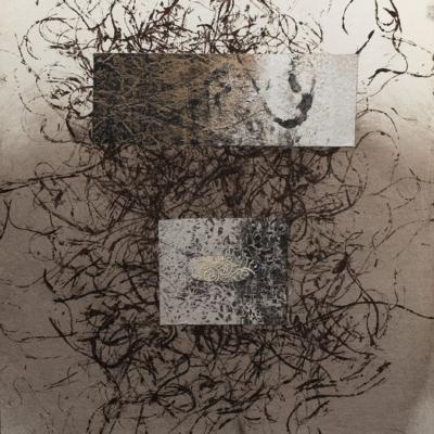 abstraction, graphisme, superposition de deux mini tableaux sur fond de graffiti